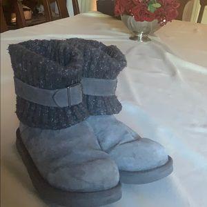 UGG women's Cambridge grey boot size 8